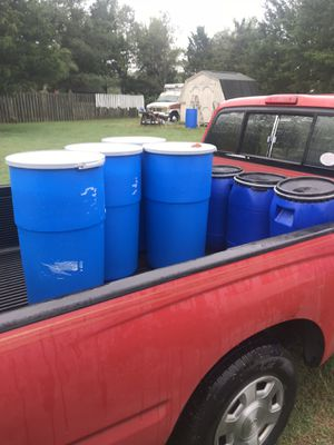 15 gallon food grade barrels open with lid and lock ring very durable storing,feed,food, for Sale in Lincolnton, NC