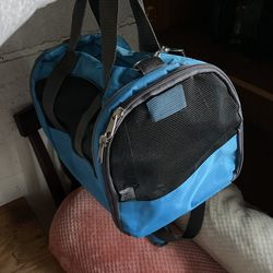 Pet Carrier For Cats/Dogs for Sale in Addison,  IL