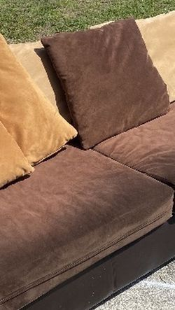 Large Brown Leather Couch for Sale in Orlando,  FL