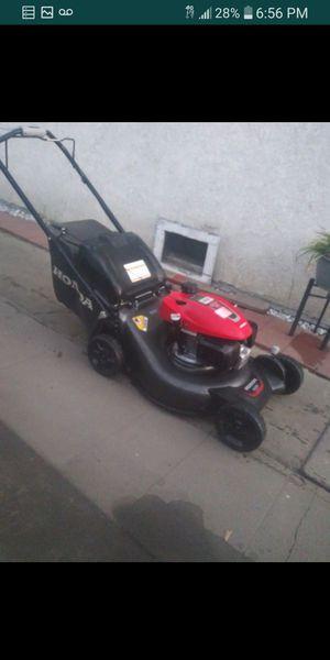 Lawnmower BRAND NEW NEW HONDA GCV170 SELF PROPELLED for Sale in Bell Gardens, CA