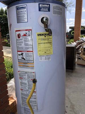 Kenmore water heater for Sale in Escondido, CA