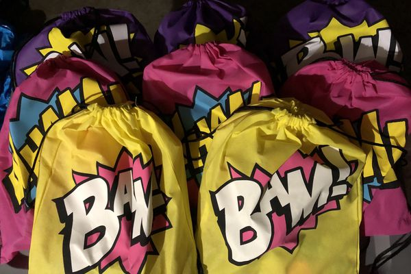 Brand New Trolls 8ct Boys Pre-packed Drawstring Backpacks
