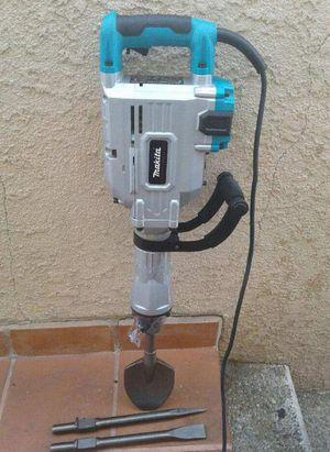Demo hammer makita for Sale in Belmont, CA