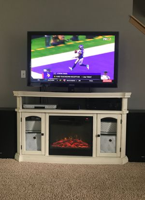 TV Stand/storage unit for Sale in Puyallup, WA