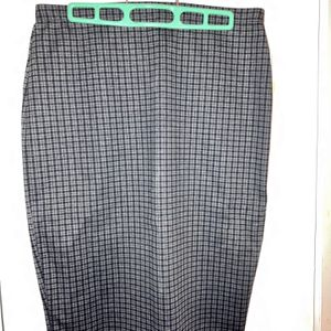 NWT: Max Studio Pencil Skirt, Dark Gray With Checks for Sale in Weymouth, MA