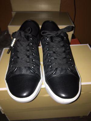 MICHAEL KORS City Women Size 8.5 Sneaker MK Signature NEW for Sale in Bloomington, CA