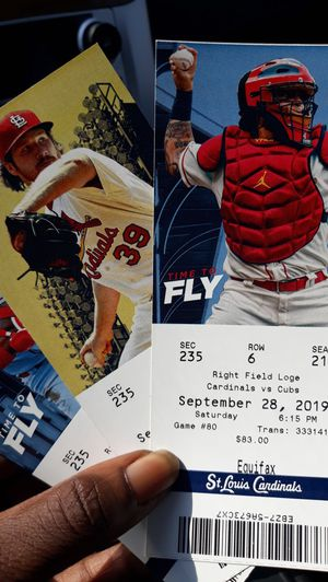 CARDINALS VS CUBS 9/28 for Sale in North County, MO