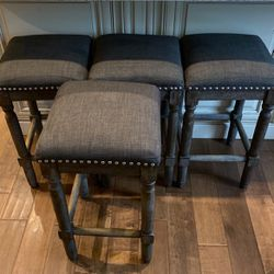 4 Counter Height Bar Stools- 24' Height for Sale in Hillsboro,  OR