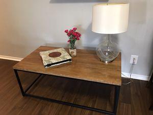 Pier 1 imports wooden coffee table & lamp set for Sale in Boynton Beach, FL