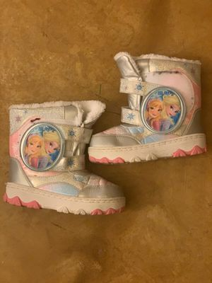 Snow boots girls 13 for Sale in Palmdale, CA