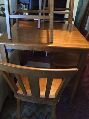 Table and picture for Sale in Bloomingdale, GA