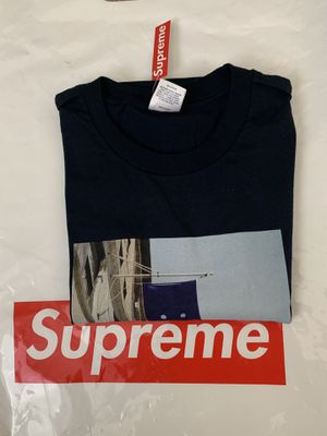 Supreme Banner Tee Navy XL IN HAND for Sale in Jurupa Valley, CA