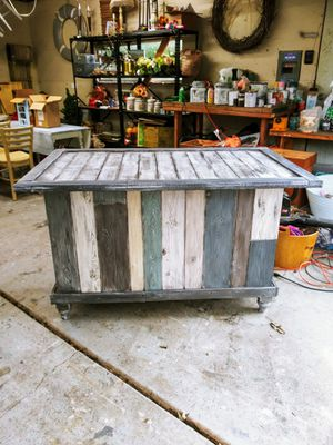 Multicolor Salvaged Kitchen Island / Bar- Farmhouse / Country / Rustic! Planks & Multicolor Barn Wood Effect! Solid Wood! for Sale in Joliet, IL