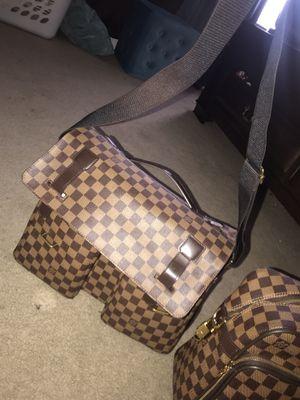Louis Vuitton bag real deal for Sale in Covington, GA