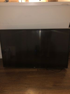 LG 43in Smart TV With Bracket for Sale in Brooklyn, NY