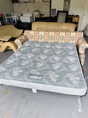 🌟 SOFA BED 🌟 Sleeper Couch Pull out queen size bed + mattress / guest bed / extra bed /space saver for Sale in Kissimmee, FL
