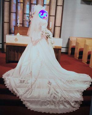 Vintage Wedding Dress for Sale in McKees Rocks, PA