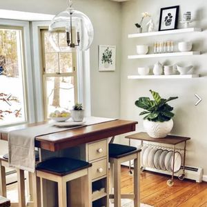Kitchen Island, Counter Table, High top 4 Stools , Dining Table for Sale in Queens, NY