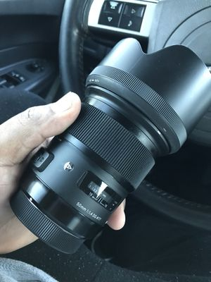 50 mm sigma art for Canon for Sale in Detroit, MI