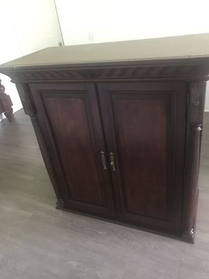Bedroom TV Stand and Dresser for Sale in Tamarac, FL