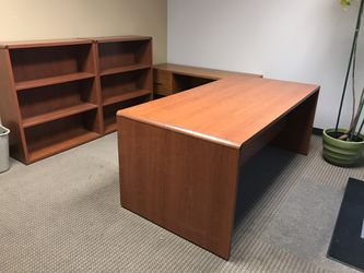 Large Office Desk and Bookshelves (3 pieces) for Sale in Redmond,  WA
