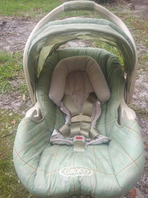 Graco car seat and base for Sale in Rocky Point, NC