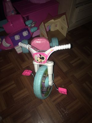 Minnie Mouse big wheel for Sale in Fort Pierce, FL