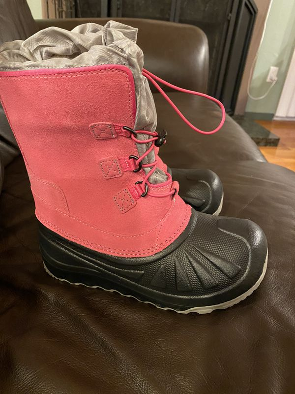 UGG Snow Boots in Pink!- Big Girl's size 4. Never Worn $40