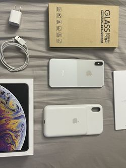 Iphone Xs Max Unlocked for Sale in Oatfield,  OR