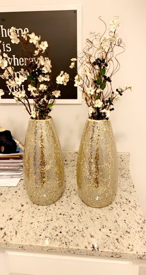 Beautiful gold mosaic vases pier one with flowers for Sale in Orlando, FL