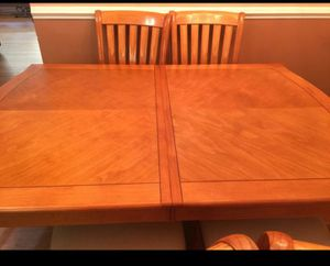 Wood kitchen table for Sale in Los Angeles, CA