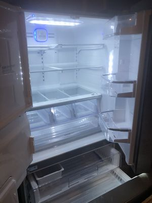 LG refrigerator for Sale in Beaverton, OR