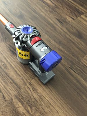 Dyson cyclone v10 absolute vacuum for Sale in Scottsdale, AZ