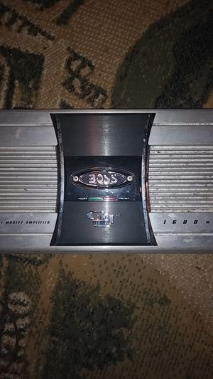 Boss GT amplifier 1600 watts for Sale in Detroit, MI