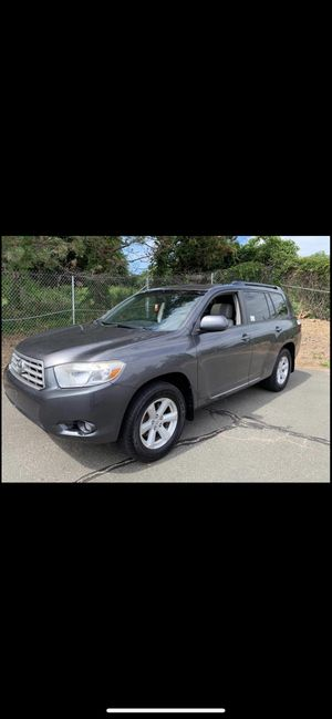 2010 Toyota Highlander limited for Sale in East Hartford, CT