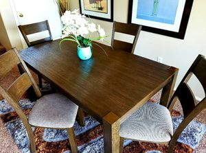 Solid wood Dining table set 5 pc for Sale in Las Vegas, NV