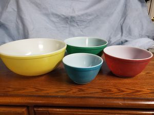 Vintage Pyrex bowl set for Sale in Buena Park, CA