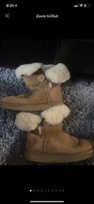 Uggs Bailey button for Sale in Waterford, WI
