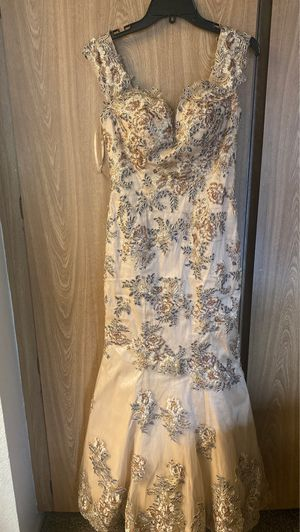 Prom dress for Sale in Rancho Cucamonga, CA