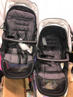 Graco Twin double stroller with car seats for Sale in Miami, FL