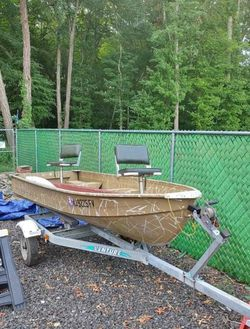 12 Ft Aluminum Boat for Sale in Freehold,  NJ