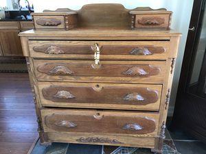 Solid Oak Antique Dresser w/ Key wood drawer pulls for Sale in Leavenworth, WA