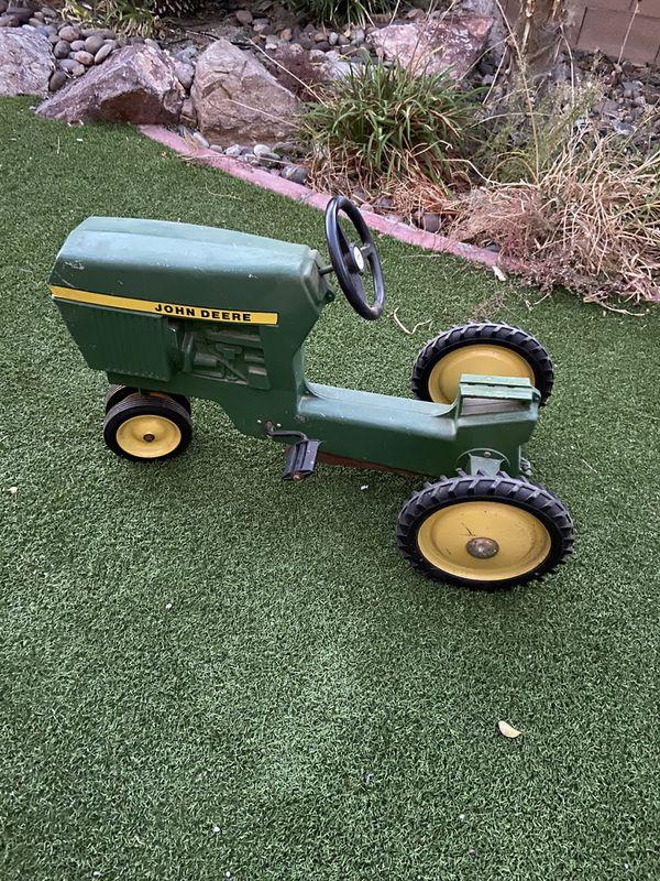 John Deere original vintage metal kids tractor