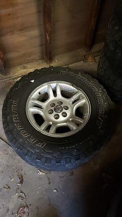 2003 Dodge Durango OEM Stock Rims & tires for Sale in Roseville,  MI