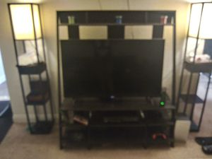 Tv stand w shelves for Sale in Las Vegas, NV