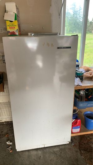 """Freezer, works great! 30""""x60"""" for Sale in Tacoma, WA"""