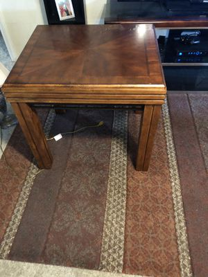 Coffee table and matching end table for Sale in Macon, GA