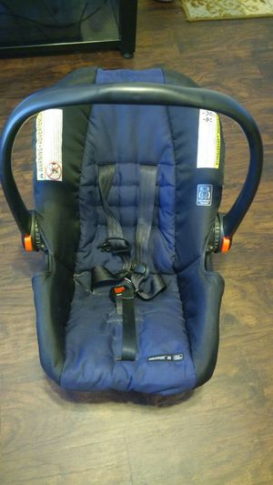 GRACO CLICKCONNECT CAR SEAT-FREE!! for Sale in Spring, TX