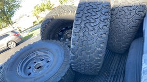 35 x 12.50 15 with wheels 5x5.5 for Sale in Pinellas Park, FL