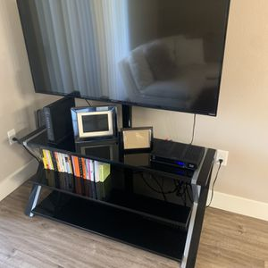TV/TV STAND for Sale in Henderson, NV